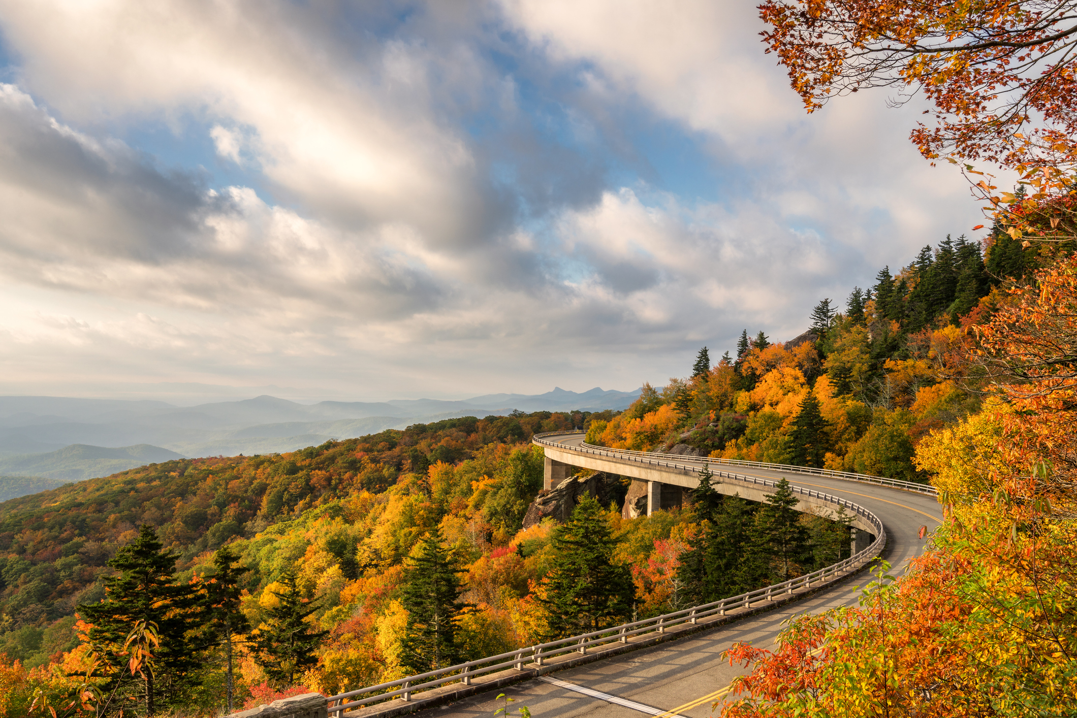 Love Fall Foliage? 7 Spots to Visit This Year