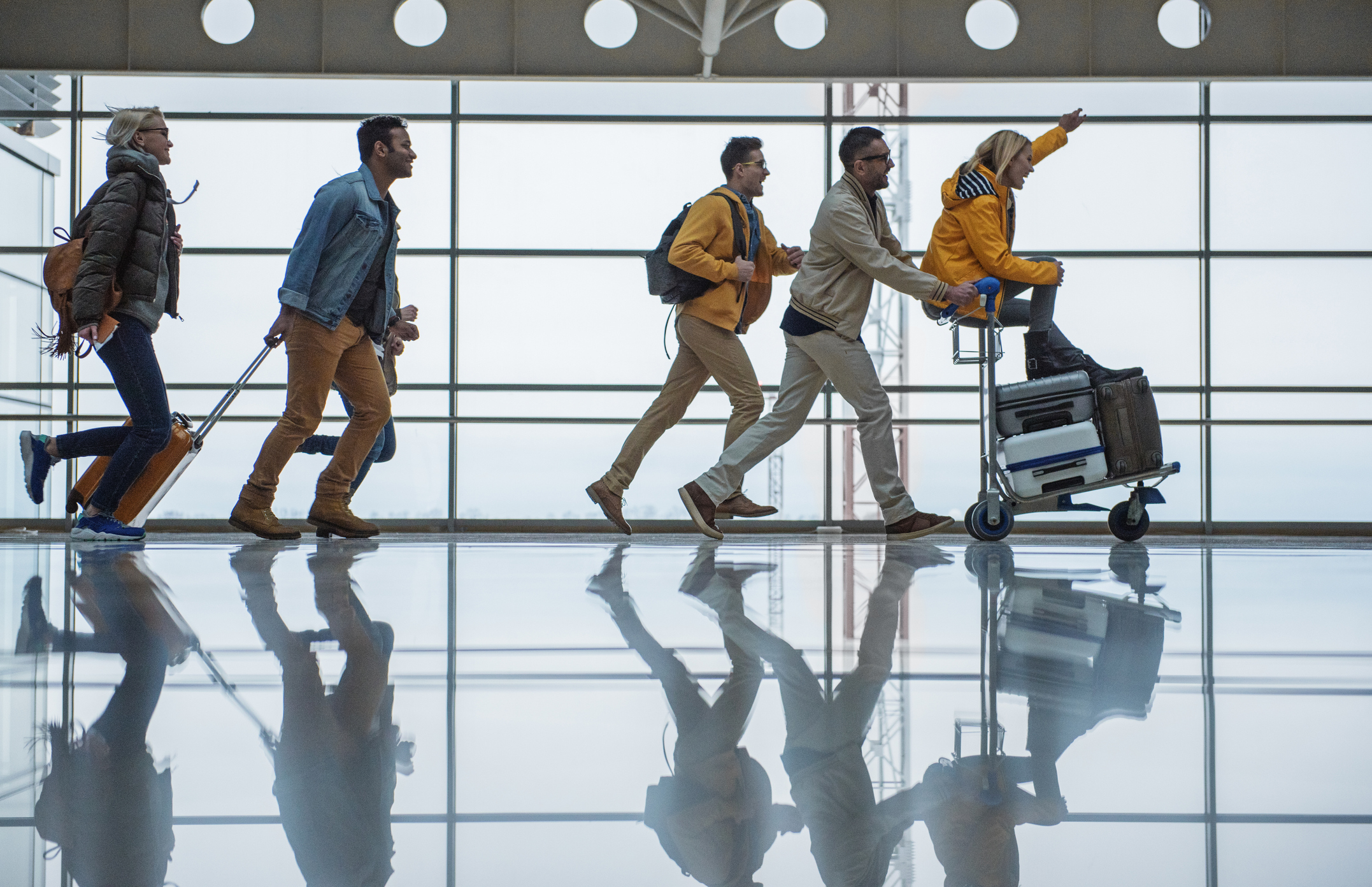 5 Times You Should Book Airfare With Cash Instead of Miles