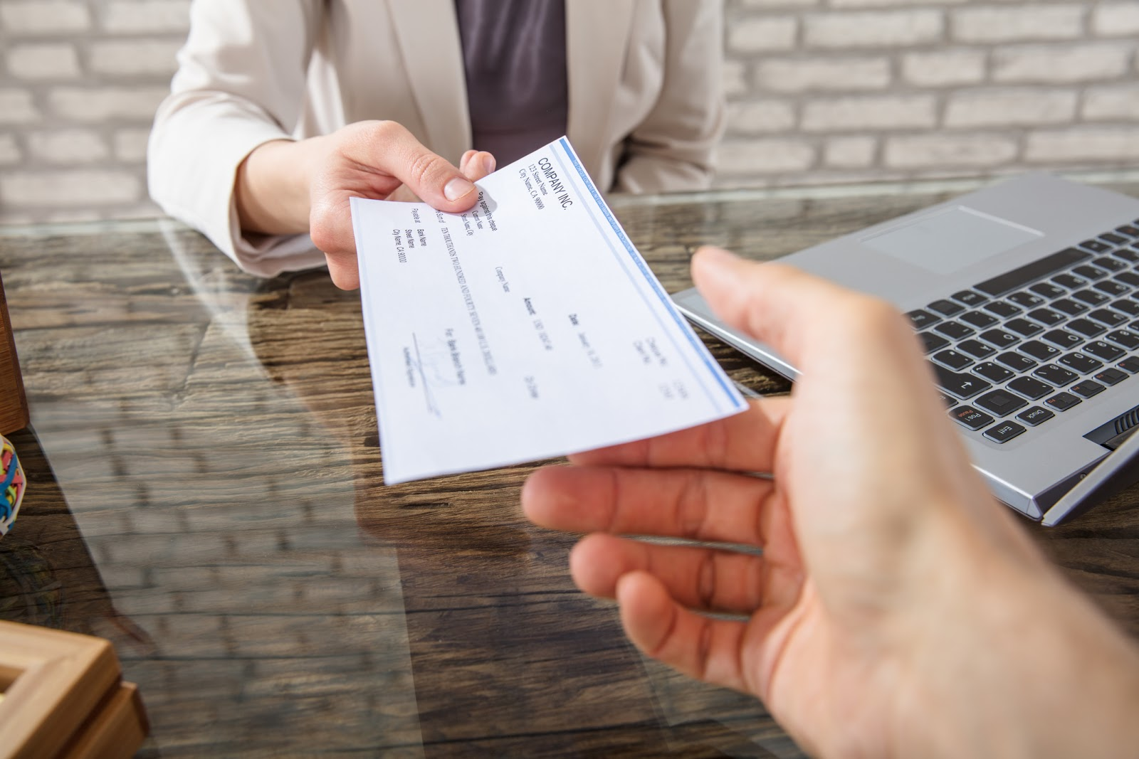 5 Reasons to Never Write a Check Again